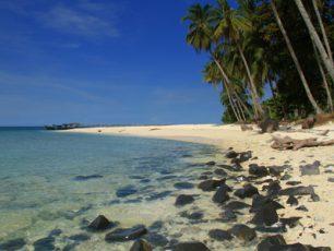 Pulau Randayan, Pulau Kecil dengan Sejuta Keindahan