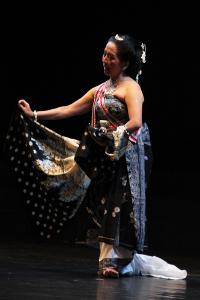 Sendratari Calon Arang terinspirasi dari cerita rakyat tentang seorang janda tukang teluh yang tinggal di desa Girah
