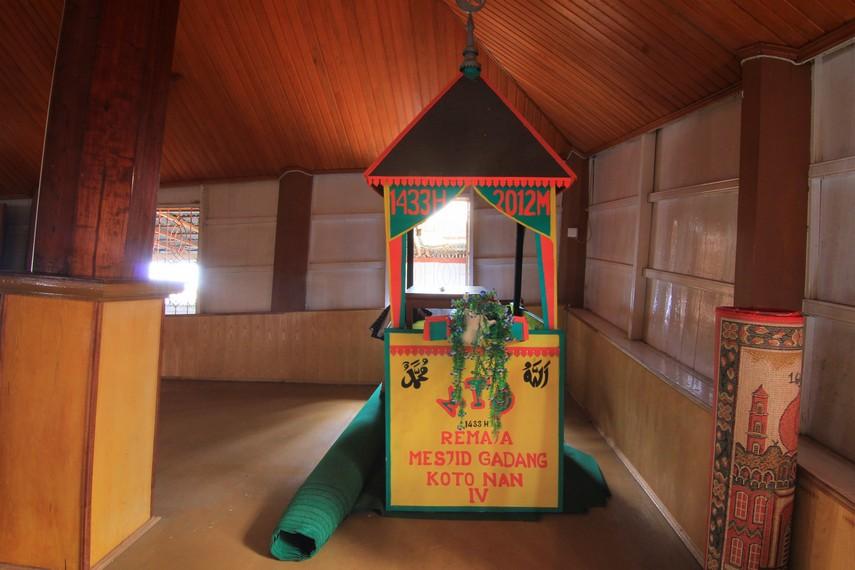 Hingga kini, masyarakat nagari Koto Nan Ampek masih setia menggunakan masjid ini untuk beribadah