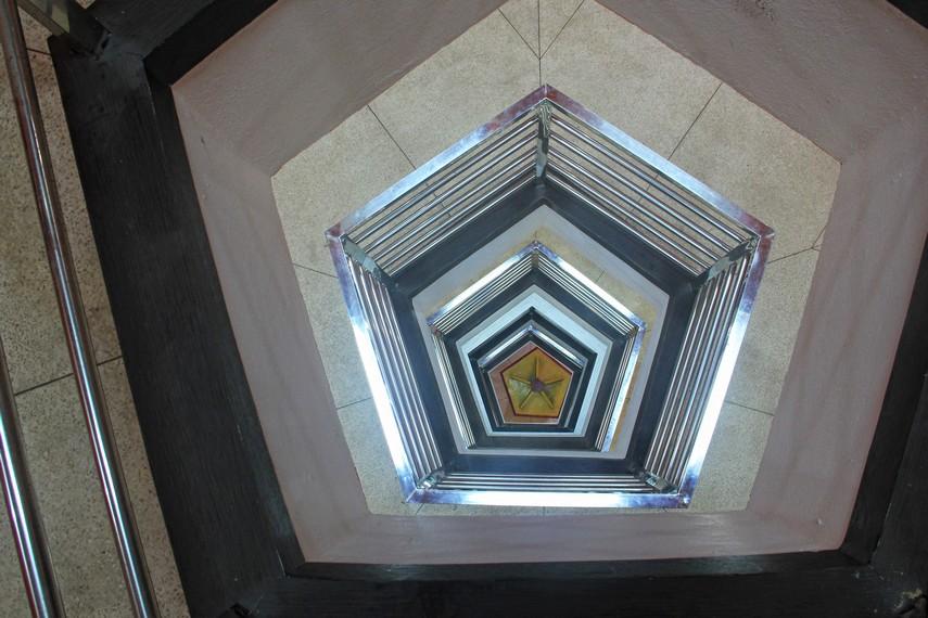 Bangunan Monpera yang penuh akan simbol merupakan upaya mengingat kembali perjuangan para pahlawan yang telah gugur demi mempertahankan kemerdekaannya