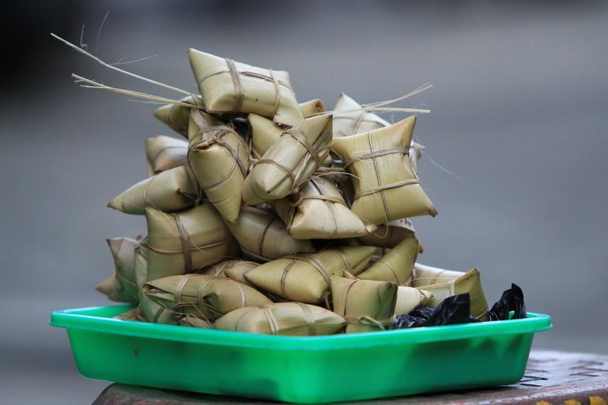 Lepet menjadi panganan khas Kuningan yang banyak digemari masyarakat di kota yang terletak di kaki Gunung Ceremai itu