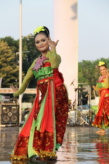 Jumlah penari dalam tari Rancak Denok bisa ditambah atau dikurangi sesuai dengan kebutuhan dan besar kecilnya panggung