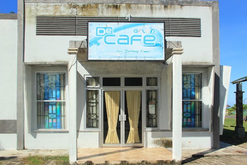 Salah satu kedai yang menjual kuliner khas Belitung yang bisa dicoba pengunjung di Pantai Nyiur Melambai