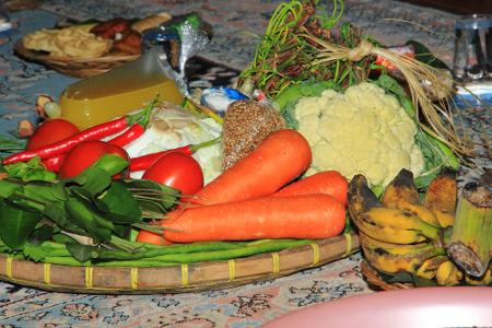 Netepkeun merupakan ritual awal dalam tradisi Seren Taun yang tertulis dalam Babat Padjajaran dan pantun Bogor