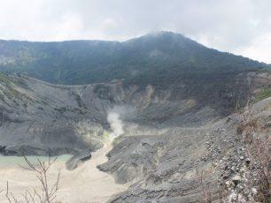 Gunung Tangkuban Perahu, Cerita Legenda yang Menjadi Tempat Wisata