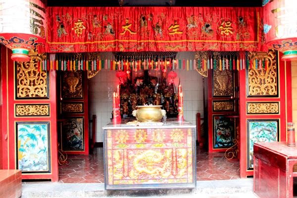 Dewa pengobatan dalam kepercayaan umat Budha