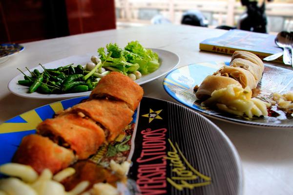 Lumpia menjadi salah satu kuliner khas Semarang