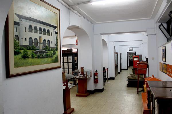 Salah satu pemandangan interior Museum Pos Indonesia