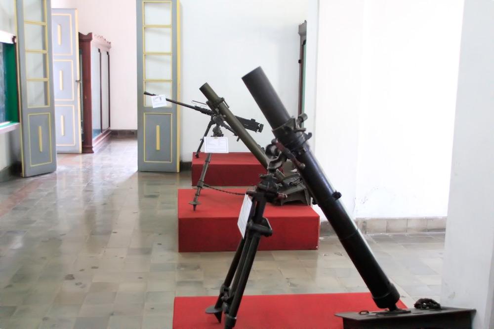 Aneka jenis senjata yang menjadi koleksi Museum Mandala Bhakti
