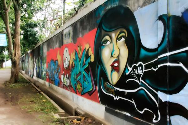 Seni grafiti di Taman Budaya Raden saleh