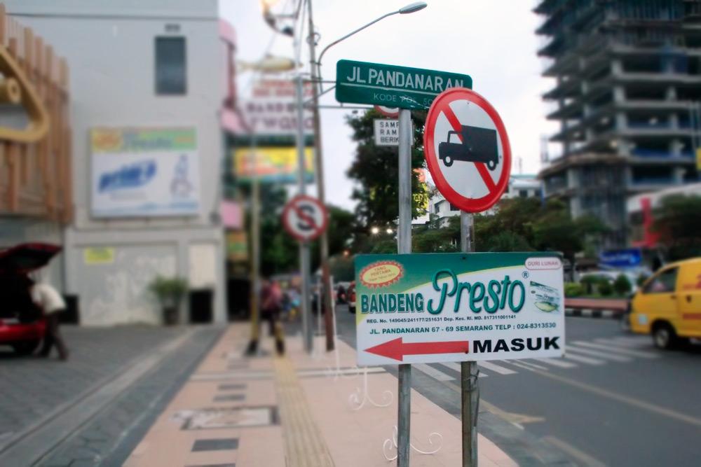 Pemandangan Jalan Pandanaran di Semarang