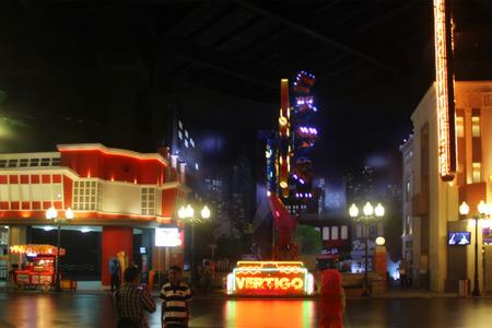 Salah satu arena permainan di Trans Studio, Vertigo