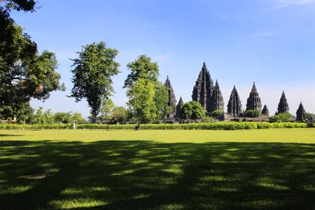 Candi Prambanan dibangun sekitar tahun 856 Masehi  sebagai simbol kembalinya kekuasaan ke tangan Dinasti Sanjaya