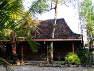 Wisata Budaya Jawa di Desa Wisata Tembi