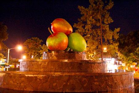 Apel menjadi simbol Kota Batu Malang