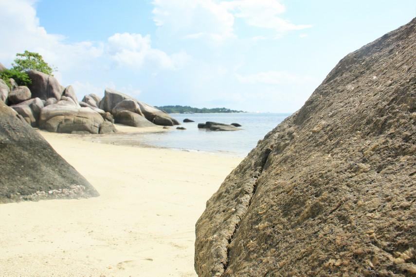 Dari Pulau Burung, perjalanan menuju Pulau Pegadoran hanya membutuhkan waktu 5 menit
