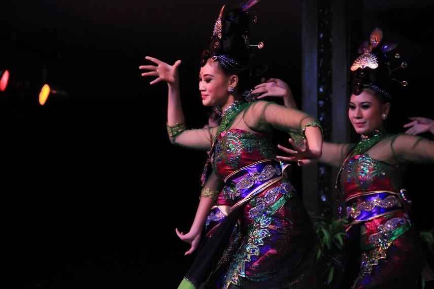 Sama halnya dengan kesenian reog, tari reogke juga diiringi oleh musik yang bersumber dari gong, kendang, dan angklung palak