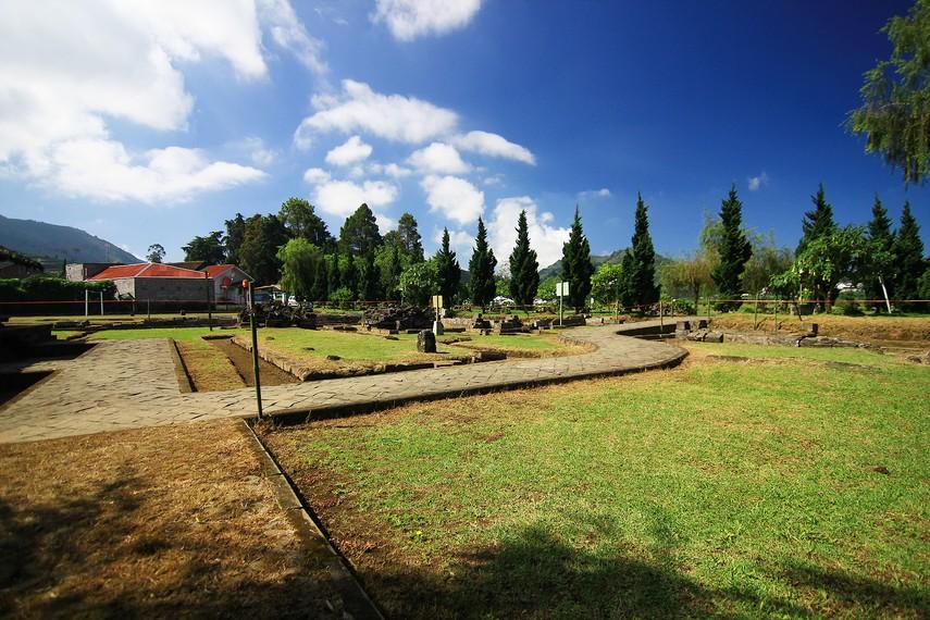Kepercayaan Kapitayan sangat mementingkan keberadaan sumber air yang dianggap sebagai tempat awal kehidupan