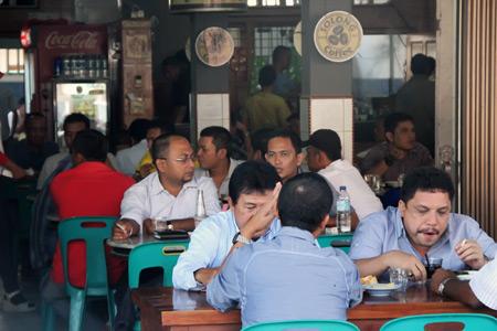 Meski sederhana, kedai Solong di Ulee Kareng terkenal di kalangan menengah ke atas