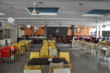 Tower Coffee berlokasi strategis di depan Tamansari, lebih membidik segmen generasi muda