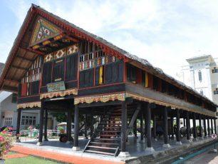 Menggali Sejarah Tanah Rencong di Museum Negeri Aceh