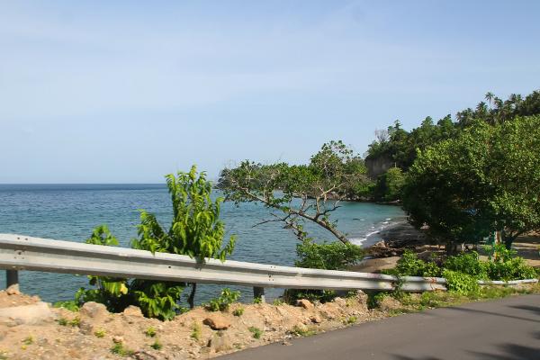Untuk menuju pantai ini kita bisa menjelajah dengan sepeda motor dari sisi Timur Kota Sabang