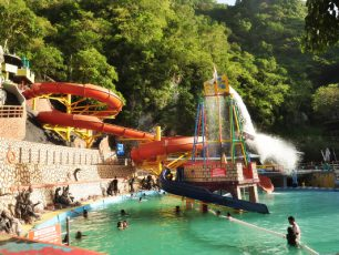 Water Boom Mata Ie, Surga Permainan Air yang Terasing