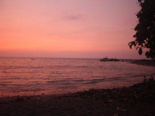 Jelajah Pulau dan Menikmati Pemandangan Matahari Terbit di Sebesi