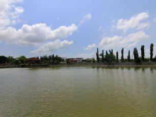 Taman Air Mayura, Taman Indah Bernuansa Religius