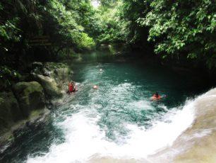 Merasakan Aliran Sungai yang Tenang di Sungai Citumang