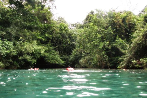 Sungai Citumang terletak di Desa Bojong, Kecamatan Parigi, Kabupaten Ciamis
