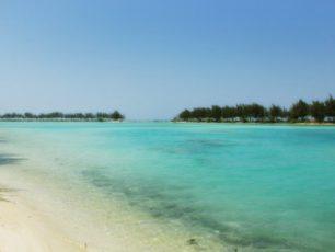 Memandangi Pantai di Pulau Payung Besar