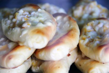 Roti unyil fla jagung, salah satu rasa roti yang unik dan banyak digemari masyarakat