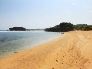 Pantai Sundak, Tempat Liburan Asyik Bersama Keluarga