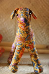 Upaya untuk memperkenalkan batik khas Jawa Barat ini juga dilakukan oleh para pengrajin boneka