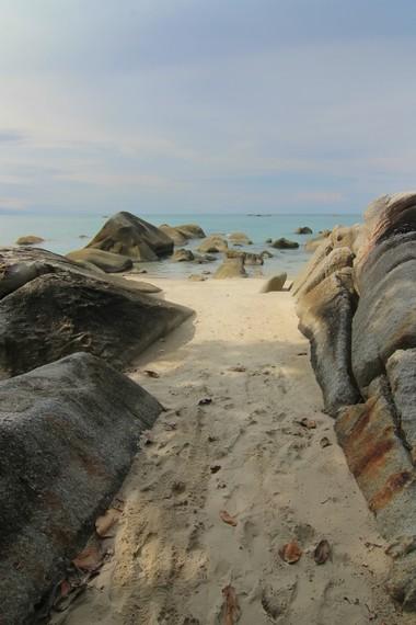 Pantai Tanjung Pesona merupakan salah satu pantai eksotis nan romantis yang dimiliki Kepulauan Bangka Belitung