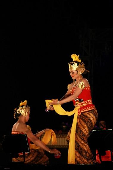 Tari serimpi sangupati merupakan salah satu tarian tradisi yang berkembang di kalangan keraton Surakarta