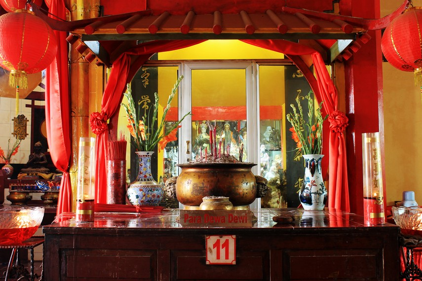 Selain Hok Tek Tjeng Sin, umat Boen San Bio juga memuja sembilan dewa lainnya