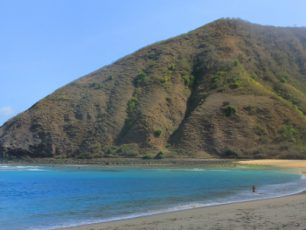 Indah dan Eloknya Pantai Mawun