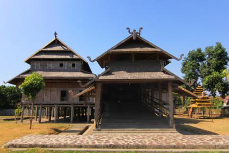 1483_thumb_Istana_Dalam_Loka_dibangun_pada_tahun_1885_atas_prakarsa_Sultan_Muhammad_Jalaluddin_Syah_III.jpg