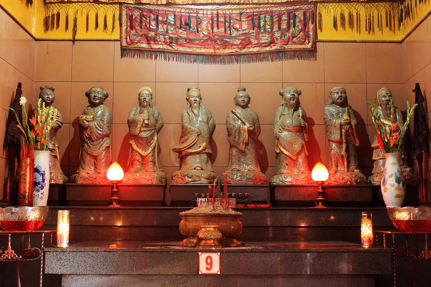 Tempat persembahyangan Pat Sien Kwe Hay atau Delapan Dewa, yang merupakan representasi delapan sifat manusia