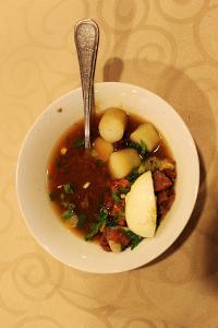 Soto sulung menjadi salah satu menu favorit masyarakat Surabaya ketika sarapan