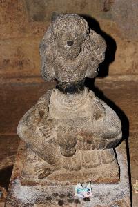 Arca Dewa Syiwa yang dapat dilihat di dalam Candi Cangkuang