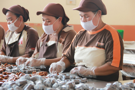 Mulai dari proses pembuatan hingga menjadi dodol memerlukan waktu yang cukup lama