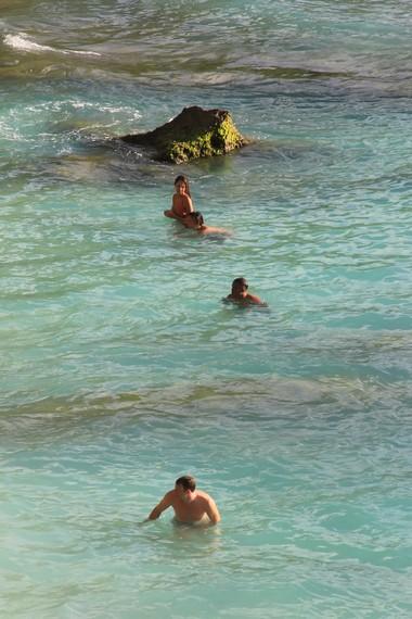 Karena tidak banyak terekspos ke publik, berkunjung ke pantai ini seakan berada di pantai pribadi