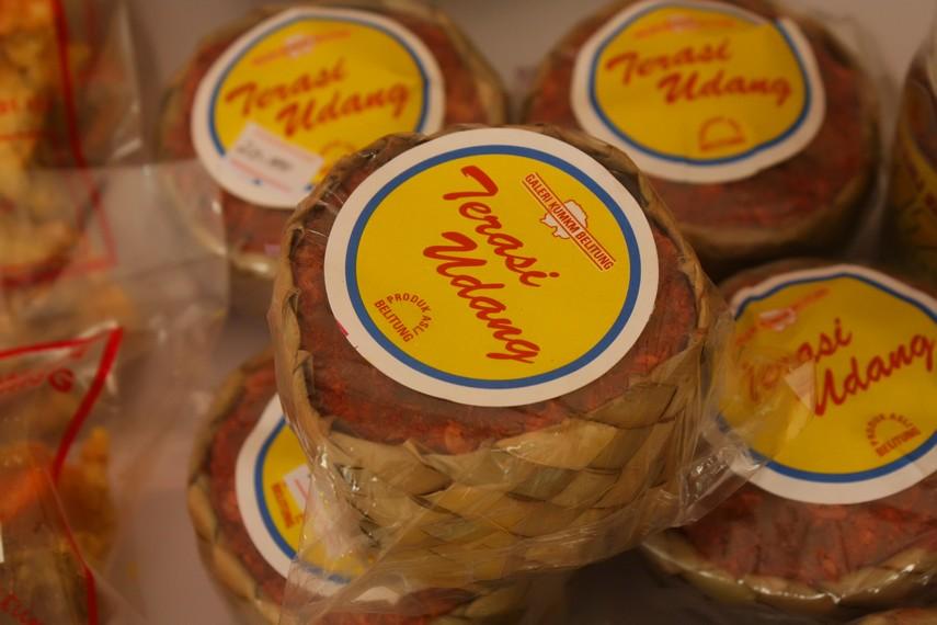 Belacan menjadi salah satu buah tangan khas Pulau Belitung