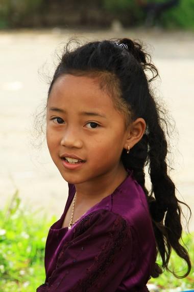 Anak berambut gimbal dapat ditemui di setiap desa di Dataran Tinggi Dieng. Anak-anak ini biasanya berusia antara 0-8 tahun