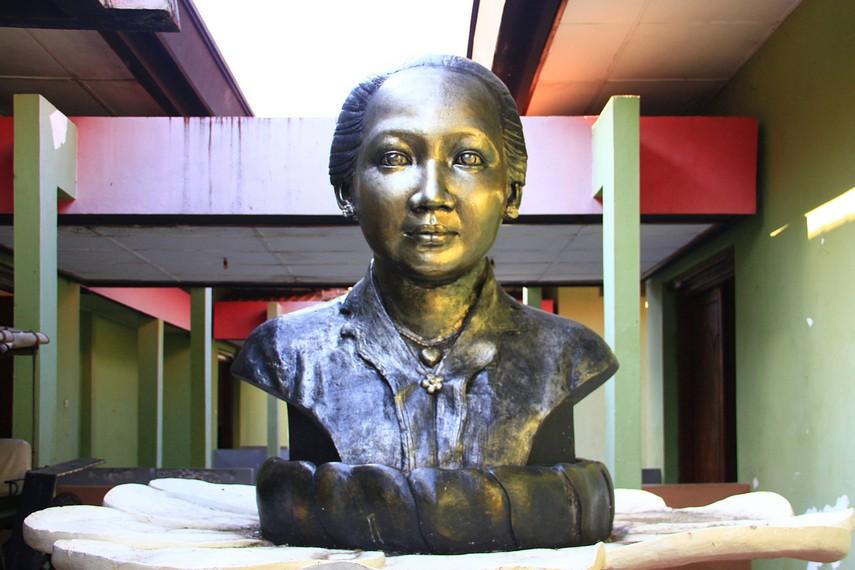 Berdiri diatas tanah seluas 5210 meter, museum R.A. Kartini menyimpan benda peninggalan R.A.Kartini maupun kakaknya R.M.P. Sosrokartono