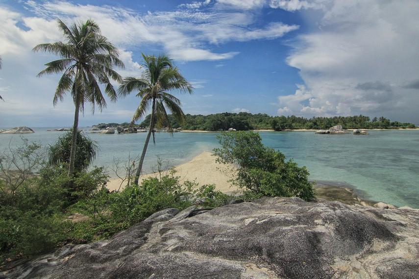 Dahulu Pulau Babi dijadikan tempat untuk beternak babi oleh orang-orang tionghoa