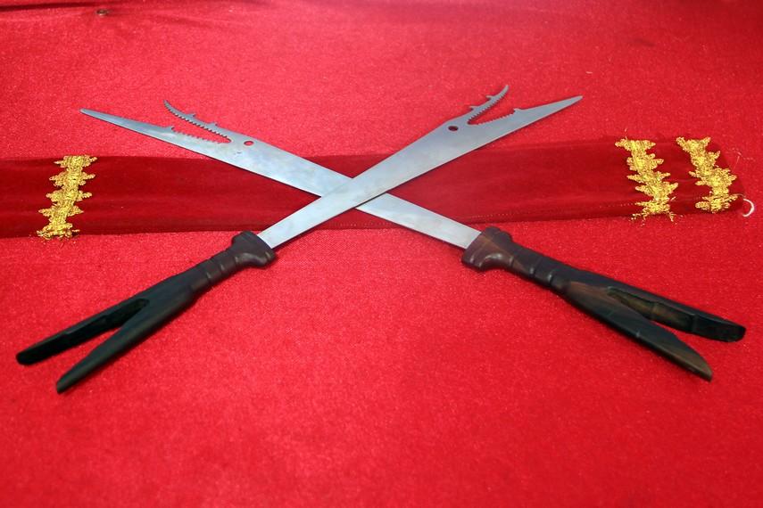 Pedang bara Sangihe merupakan senjata tradisional khas Sulawesi Utara